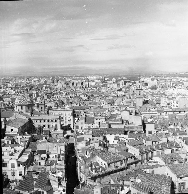 Sortie de terrain en Espagne de 46 étudiants et leurs professeurs de l'Institut de géographie de l'Université Michel de Montaigne - Bordeaux III du 26 mars au 3 avril 1956 / Cliché n°56